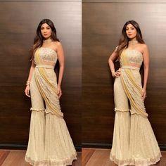 Party Wear Indian Dresses, Designer Party Wear Dresses, Indian Gowns Dresses, Indian Bridal Outfits, Dress Indian Style, Indian Fashion Dresses, Indian Designer Outfits, Indian Wear, Fashion Outfits