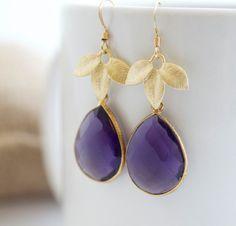 #bijou #mariage #Amethyst Earrings, Purple and Gold Dangle Earrings, Bezel Set Earrings, Bridal Jewelry. $39,75, via Etsy.