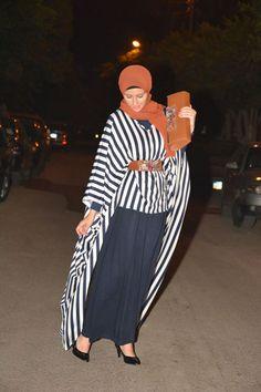 striped hijab style, http://www.justtrendygirls.com/modest-street-hijab-fashion/