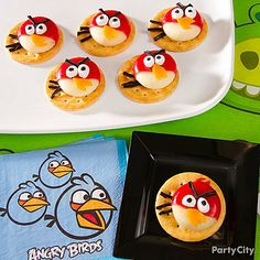 Angry Birds Cheese & Crackers Snack : To construct these high-flying, healthy snacks use crackers fo. Girl Party Foods, Party Snacks, Birthday Themes For Boys, Boy Birthday Parties, 8th Birthday, Birthday Ideas, Bird Party, Incredible Edibles, Cute Food