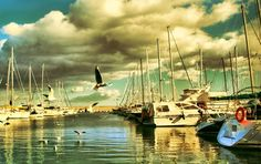 Discover the world through photos. Sailing Ships, Places To Travel, Boat, Spaces, World, Dinghy, Destinations, Holiday Destinations, Boats
