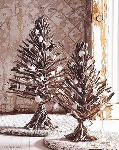 Hello people!   As coisas andam tão caras que enfeite de Natal, aqui em casa, só se for bem barato!!  Hoje paguei R$ 73,00 em um botijão de...