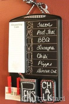 COOKIE SHEET ORGANIZATION CENTER} Use an old cookie sheet and a few other supplies. This is a great place to keep a shopping list, weekly calendar and anything else that you need to help you stay on track. Paint the cookie sheet with chalkboard paint so that you can write in memos and other notes as needed.