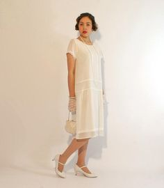 Ivory flapper dress with short sleeves, 1920s flapper dress