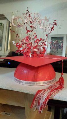 Unique Graduation Cap Centerpiece!