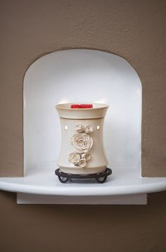 Bride Full-Size Scentsy Warmer PREMIUM - Make your vow with a lovely, sculpted corsage of roses in delicate, dappled ivory with hints of pale green.