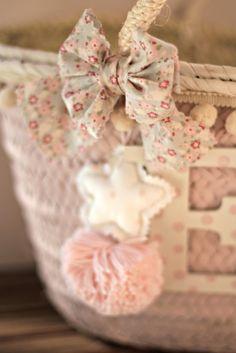 DEtalle Elena1 Handmade Bags, Handmade Handbags, Sisal, Pink Summer, Bag Making, Diy And Crafts, Espadrilles, Gift Wrapping, Purses