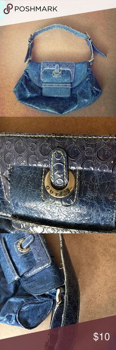 GUESS Purse!! This was a great purse for a night out or dinner with my girlfriends!! Guess Bags Shoulder Bags