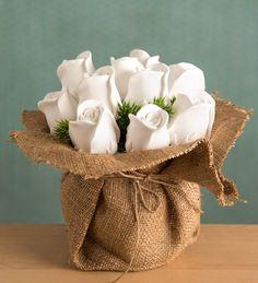 Beyaz Gonca Güller Kokulu Taş Aranjmanı