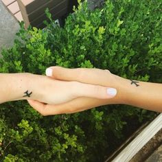 """Nothing says """"best friends forever"""" like matching ink."""
