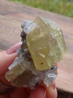 ~~GORGEOUS GOLDEN APATITE CLUSTER WITH LARGE POINTS AND QUARTZ~~  CHECK IT OUT===>