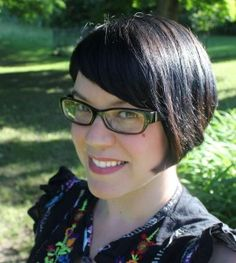 Alyxandra Harvey wrote Drake Chronicles, Haunting Violet, and The Lovegrove Legacy Series.