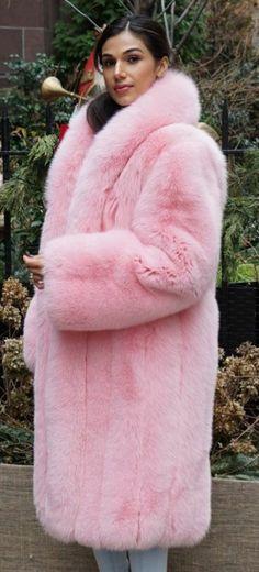 Fox Fur Coat, Fur Coats, Fur Fashion, Womens Fashion, Formal Coat, Color Magic, Mantel, Pink Purple, Sexy Women