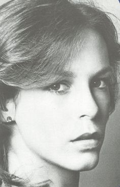 Jamie Lee Curtis...isn't she sooo pretty here!!?! What a wonderful actress!!! Loved many of her movies!!!