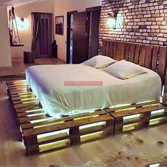 Awesome Unordinary Recycled Pallet Bed Frame Ideas To Make It Yourself. furniture ideas Unordinary Recycled Pallet Bed Frame Ideas To Make It Yourself Pallet Home Decor, Pallet Patio Furniture, Home Furniture, Diy Home Decor, Furniture Design, Furniture Ideas, Wooden Furniture, Bedroom Furniture, Cheap Furniture