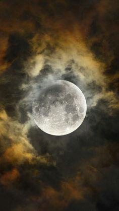 Best collection of most beautiful Moon pictures amazing photographs. These stunning moon photos are best to use as wallpapers or your cover photos. Moon Shadow, Ciel Nocturne, Shoot The Moon, Moon Photography, Photography Tips, Moonlight Photography, Moon Magic, Super Moon, Moon Art