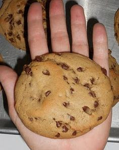Irresponsibly Big Chocolate Chip Peanut Butter Cookies ♥ I love how big and fat these are. A big potluck favorite!!