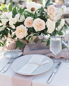 Blush wedding theme Tablescape Photo Whiskers & Willow Photography Published at Style me Pretty Blush Wedding Theme, Floral Wedding, Wedding Flowers, Wedding Photo Booth, Wedding Photos, Low Centerpieces, Centerpiece Ideas, Garden Wedding Inspiration, Wedding Ideas