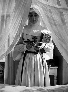 """""""The Nun's Story"""" Audrey Hepburn on the set The Nun's Story, Audrey Hepburn Photos, Bride Of Christ, My Fair Lady, British Actresses, Old Movies, Couture Fashion, Picture Photo, Pictures"""
