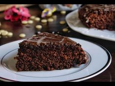 Νηστίσιμο κέικ σοκολάτας με κομμάτια κουβερτούρας.Η σοκολάτα είναι ένας γευστικός πειρασμός, από την άλλη όμως είναι και ο καλύτερος φίλος! Pudding, Desserts, Food, Tailgate Desserts, Deserts, Custard Pudding, Essen, Puddings, Postres