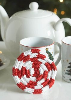 PIN FOR LATER - A super easy Christmas coaster idea.   Peppermint Knit Coaster   DIY Christmas decorations