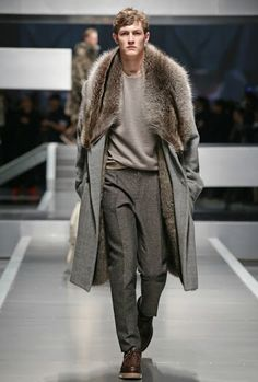 FENDI Fall/Winter 2013-14 Men's Fashion Show.    -------------The whole impression of this look is gorgeous especially because of the fur coat. I used to think that fur was for women. However, this stunning fur coat represents a distinctive Icelandic style of wilderness in men's