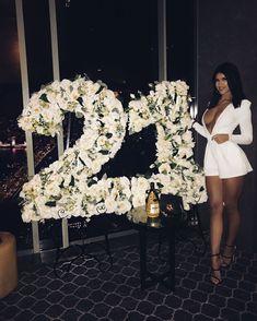 Most Popular Birthday Parties Decoration Birthday Goals, Happy 21st Birthday, 18th Birthday Party, Birthday Wishes, Birthday Book, Birthday Outfits, Birthday Dresses, Birthday Cakes, 21st Decorations