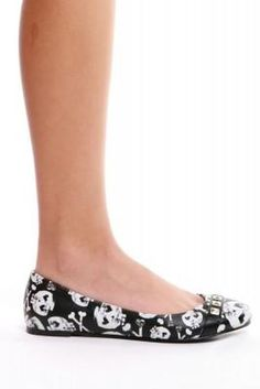 I found 'HEARTCORE BALLERINA FLAT' on Wish, check it out!