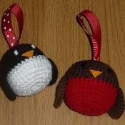 Robin and Penguin Christmas Decorations - via @Craftsy