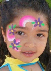 pintura parcial Simple Face Paint Designs, Face Painting Designs, Face Painting Flowers, Butterfly Face Paint, Up Costumes, Diy Crafts Hacks, Kid Poses, Party Makeup, Face Art