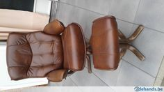 Mooie lederen fauteuil met voetenbankje