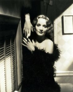 Marlene Dietrich, The Shanghai Express (1932).