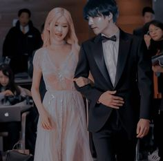 Korean Couple, Best Couple, Wedding Color Pallet, Wedding Colors, Kpop Couples, Cute Couples, Bts Girlfriends, Fake Friendship, Dusty Rose Wedding