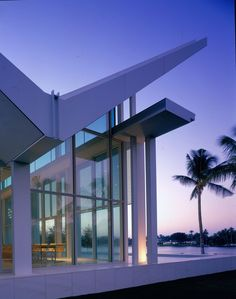 The opportunity to design an oceanfront residence is a privilege that cannot be overstated. The site for this house and guesthouse is exceptional in its size...