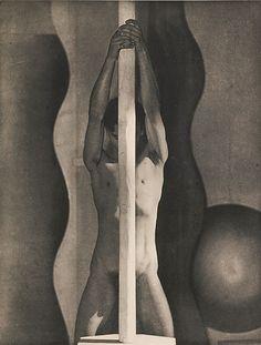 XII by Frantisek Drtikol (1883-1961)- Les Nus de Drtikol, 1929