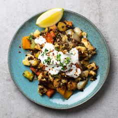This simple veggie halloumi scramble is the perfect way to turn the leftovers in your fridge into a healthy, delicious and quick meal.