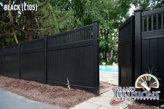 Simple and Stylish Tips and Tricks: Vinyl Fence Projects diagonal lattice fence.Cedar Fence Backyard rustic fence how to make. Lattice Fence Panels, Vinyl Fence Panels, Vinyl Fencing, Fence Landscaping, Backyard Fences, Porches, Vinyl Privacy Fence, Privacy Fences, Privacy Screens