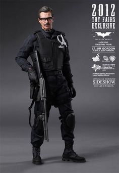 Figura Batman The Dark Knight. Lt. Jim Gordon, 30cm. S.W.A.T. Hot Toys