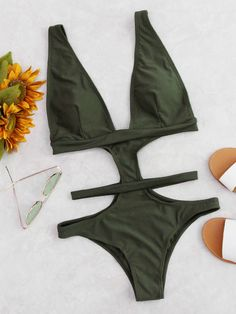 SheIn offers Cutout Design Plunge Neckline Monokini & more to fit your fashionable needs. Monokini, Mode Du Bikini, Trendy Outfits, Cute Outfits, Lingerie Fine, Cute Bathing Suits, Swimming Costume, One Piece Suit, Cute Swimsuits