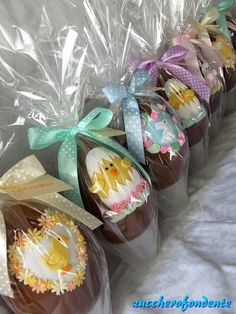 Easter Egg Cake, Easter Cookies, Chocolate Sculptures, Easter Chocolate, Fondant Figures, Easter Celebration, Egg Decorating, Easter Recipes, Cupcakes
