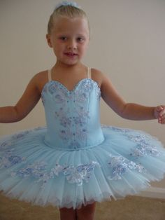 little girl tutu Cute Dance Costumes, Tutu Costumes, Ballet Costumes, Doll Costume, Swan Lake Costumes, Little Girl Ballerina, Toddler Dance, Ballerina Costume, Blue Tutu