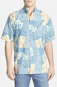 Reyn Spooner 'Pua A Me Lau' Classic Fit Wrinkle Free Short Sleeve Sport Shirt