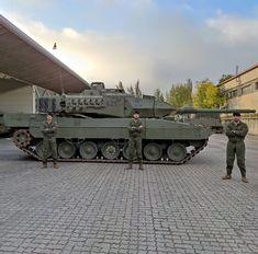 Battle Tank, Modern Warfare, Military Vehicles, Spanish, Guns, Army Vehicles, Spanish Language, Spain