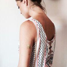 gorgeous palmtree tattoo on @marieandmood #girl #palmtree #gold #indian #amazing #montattoo #tattoo http://mon.tattoo