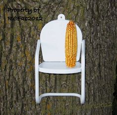 Retro - Vintage Inspired Metal Squirrel Feeder Chair - White