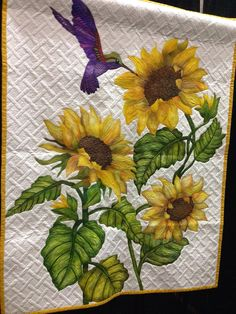 """""""A taste of sunshine"""" Deb Crine Oregon Quilt Expo / FB Thread Painting, Fabric Painting, Fabric Art, Longarm Quilting, Free Motion Quilting, Machine Quilting, Antique Quilts, Vintage Quilts, Sunflower Quilts"""