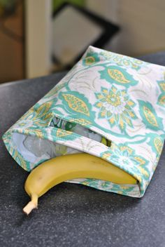 Reusable Lunch Bag or Car Trash Bag -- Eco-Friendly Craft!<< been planning on making lunch bags for us for awhile. This is perfect!! Probably a bit wider to accommodate the big flat containers we have.