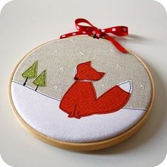 Love this little foxy embroidery hoop Christmas Sewing, Christmas Embroidery, Christmas Diy, Christmas Ornaments, Christmas Books, Simple Christmas, Freehand Machine Embroidery, Embroidery Hoop Art, Embroidery Patterns