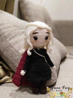 Medieval doll Queen of Dragons doll crochet pattern / Dany doll crochet pattern / Daenerys Español Crochet Doll Tutorial, Crochet Doll Pattern, Crochet Patterns Amigurumi, Amigurumi Doll, Crochet Dolls, Cute Crochet, Crochet Geek, Queen Of Dragons, Harry Potter Crochet