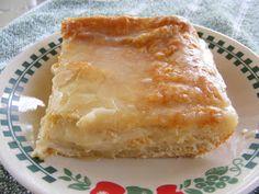 The Adventures of Kitchen Girl: Easy Cheese Danish http://kitchengirljo.blogspot.com/2009/07/easy-cheese-danish.html?m=1
